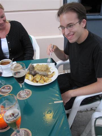 Trying_German_food